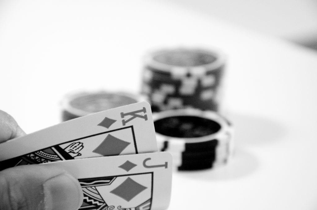 Cards-and-Chips-svartvit-ok