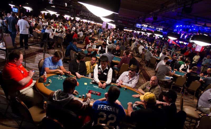 crowded poker tournament